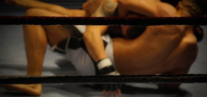 MMA Kampfpsort mit Regeln: Mixed-Martial-Arts