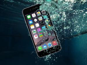 Wie verträgt sich das iPhone 7 mit Wasser?