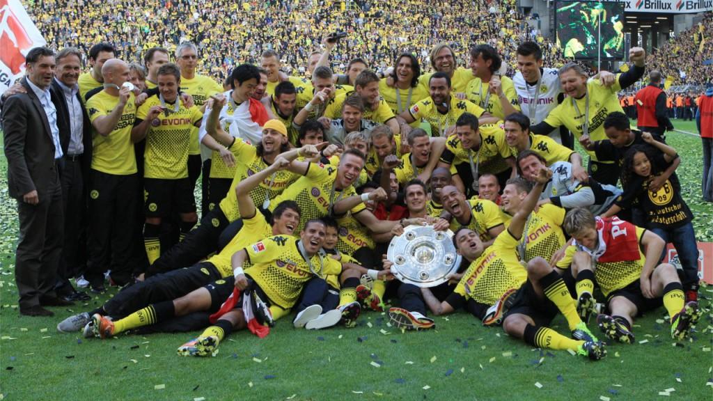 Einige der BVB Spieler nach dem Gewinn der Meisterschaft 2012!