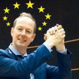 Herr Sonneborn geht nach Brüssel - Abenteuer im Europaparlament Buchrezension Martin Die Partei Titanic